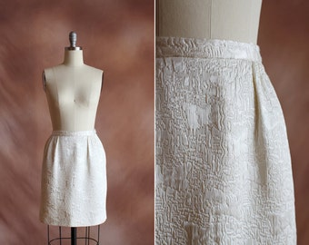 VENTE / crème tissé texturé de 1960 vintage tapisserie jupe mini cloche / taille s