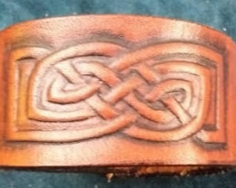 Celtic Leather Bracelet, Extra Small, Pictish Knot Border Link