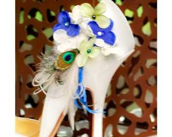 Shoe Clips Ivory Lime Green Royal Blue Hydrangeas & Peacock Feather. Wedding Bridesmaid Bride Bridal Party Gift. Pearl / Beads / Gem Couture