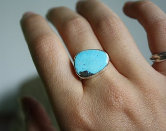 Morenci Turquoise Statement Ring w/ Textured Band Size 7.5