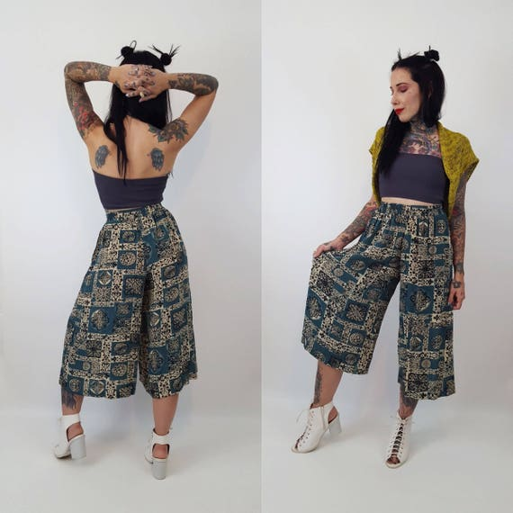 90's Allover Print High Waist Wide Leg Pants XS/S - All Over Print Green Black Cream Culottes Pants - High Elastic Waist Baggy Vintage Pants