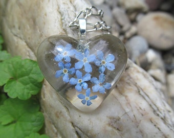 Pendant heart forget-me-not Transparent pendant Pressed flowers epoxy resin Blue flowers Resin jewelry