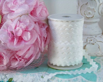 Velvet Ric Rac, White Ric Rac, Ric Rac Trim, Trims, Romantic Trims, Velvet, Embellishments, Sewing Trims, White Specialty Trims, Shabby