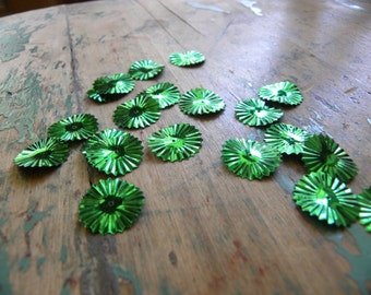 Vintage Green Pleated Disc Sequins