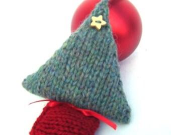 Christmas Tree Knitting Kit, Christmas Decoration, knitting kit, knitting pattern, knitted Christmas tree, Christmas gift