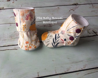 Wild Flower -- Stay On Baby Booties