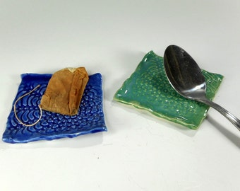Pottery tea bag holder spoon rest set of 2, ceramic spoon rest, stoneware square spoon rest, tea bag coaster, lace pottery, chopstick rests