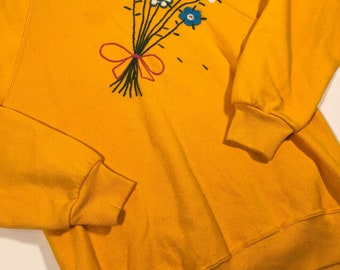 Vintage Retro yellow jerzees sweatshirt with flowers medium