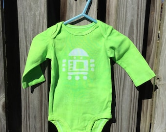 Robot Baby Gift, Robot Baby Shower Gift, Robot Baby Bodysuit, Green Baby Bodysuit, Green Baby Gift, Gender Neutral Baby Gift (6 months)