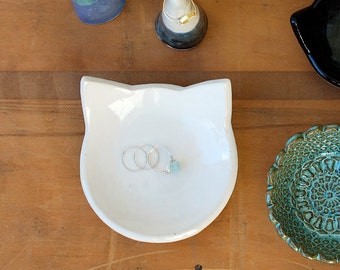 White Cat Jewelry Dish - Ring Bowl, Change Holder, Key Dish, Spoon Rest, Soap Dish - Ceramic, Pottery - Gifts for Cat Lovers, Pet Lovers