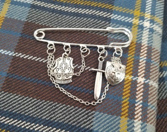 Knight Kilt Pin