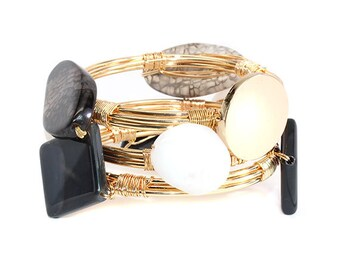Black and White Engravable Wire Wrap Bracelet