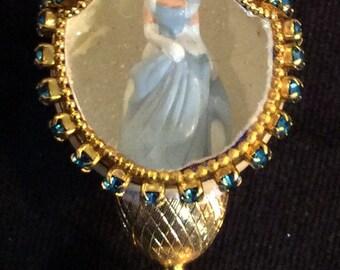 Cinderella Disney Miniature Quail Egg w/Stand
