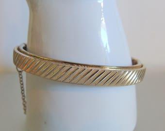 Vintage 1980's Textured Hinged Bangle Bracelet