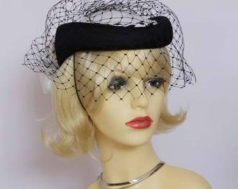 Vintage classic formal pillbox hat/Ascot, races,church, mother of the bride, Made in England