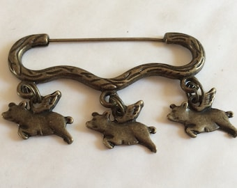 Pigs might fly, flying pigs with wings piggy  bronze tone charm brooch  pin