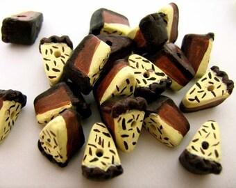 20 Tiny Chocolate Cream Pie Beads - CB743