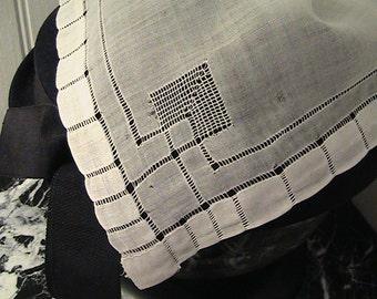 Vintage Cotton Hankie - Detailed handwork