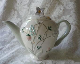 So Sweet Pfaltzgraff April Teapot, Alice in Wonderland Teapot