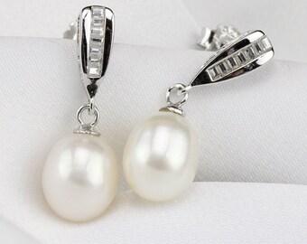 crystal bridal earrings pearl,8mm ivory pearl drop earrings,pearl earings wedding,pearl dangle earrings,teardrop pearl wedding earrings stud