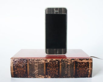 Hamlet by William Shakespeare iPhone 5, iPhone 5S Dock - Hollow Book Box Charger, Docking Station, Desk Accessory