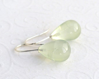 Green prehnite 925 sterling silver earrings, smooth drops earrings, celery green, pastel colors, soft green