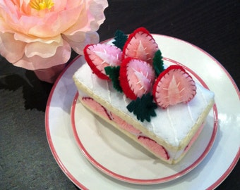 Strawberry Cream Felt Cake