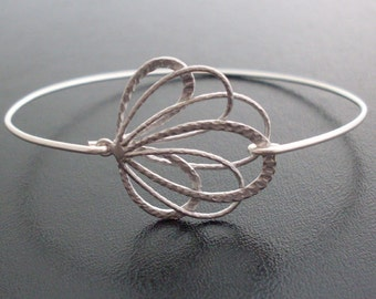 Silver Peacock Feather Bracelet, Peacock Jewelry, Silver Bridal Bracelet, Silver Bridal Jewelry, Bridesmaid Jewelry, Wedding, Peacock Bangle