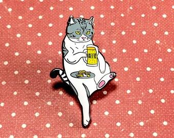 Cat drinking beer pin, Cat enamel pin, Cat lapel pin, Hard enamel pin, Cat lover gifts, Cat pin, Cat brooch