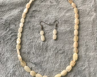 20 inch Sunstone Necklace with Earrings