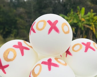 XOXO bath bomb , Mother's Day  bath bomb , wholesale bath bombs , bulk bath bombs