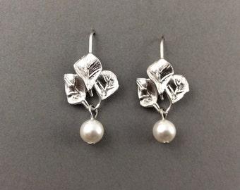 Pearl Earrings With White Swarovski Teardrop Pearls