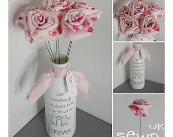 LAST ONE! Fabric Roses, Pink or Green,  6xFlowers including Vase!  Perfect as a special gift or simply for the home!