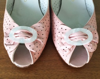 Pretty pale pink vintage peep toe pumps by Denny Stewart