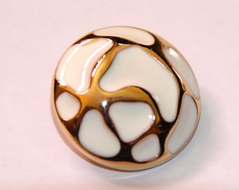 BUTTON 15MM ANTIQUE GOLD AND WHITE