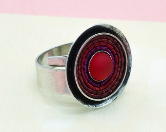 Ring in Rot, verstellbar, versilbertes Messing. Idealer Alltagsring mit Wow-Effekt. Ideales Geschenk. LemonandPinkBerlin