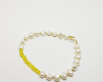 Yellow gold bracelet, Freshwater pearl bracelet, Minimalist bracelet, Gift Idea, Everyday bracelet, Simple bracelet, Beaded bracelet,
