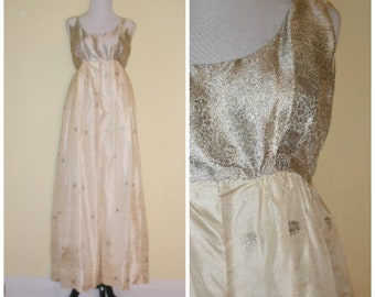 70s boho hippie wedding gown made from Indian sari fabric. Ethereal gown, billowy skirt, metallic paisley print empire bust, size S-M.