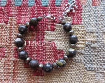 Semi-precious stones, black Jasper and Pyrite gold charm bracelet: gecko