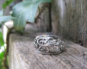 VINTAGE sterling silver filigree ring bohemian gypsy