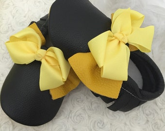 black and Yellow Leather shoes.Made with 100 % genuine leather and with elastics at the opening and around the ankle