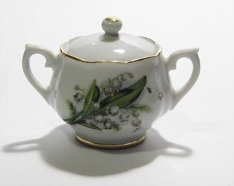 Little Sugar Bowl Handcrafted in Japan - white berry pattern - Ships Priority Mail - See Shoppe for MORE Vintage!