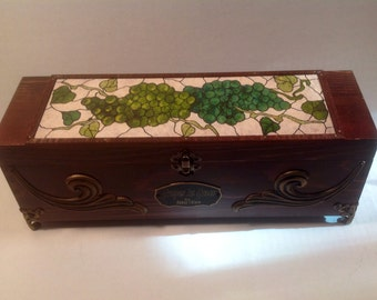 Green grapes keepsake wood box, wood wine box, wine box ceremony, grapes mosaic , wedding wine box, custom wine box, wedding gift box