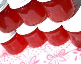 Party favors, jam favors, 50 Little Bit of Heaven 1.5oz jars of our strawberry pineapple jam wedding or baby shower favors