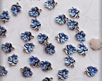 Pansy charm blue enameled  (x6)