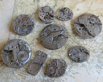Featured - Steampunk supplies - Watch movements - Vintage Antique Watch movements Steampunk - Scrapbooking 7g