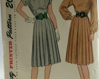 Simplicity 1717 - Misses Dress Sewing Pattern - Vintage - 1946 - Uncut - Size 14
