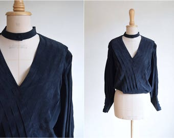 Pleated silk blouse with choker and voluminous sleeves | size small-medium | 90s silk | padded shoulders | silk blouse top