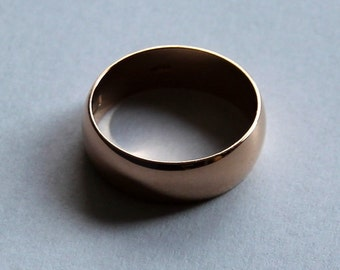 13 K gold rings, rounded in the form