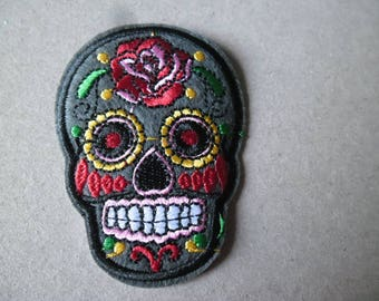 x 1 fusible applique embroidery skull patterned shape multicolor polyester 7.1 x 5.2 cm